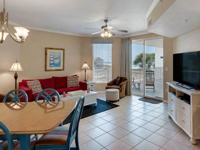Photo for Charming 2 bedroom with bunks, spacious balcony, pool, tennis court.