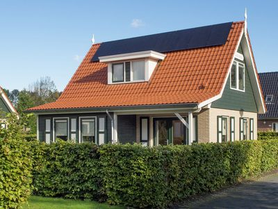 Photo for Atmospheric holiday home in a quiet location on the outskirts of Zonnemaire