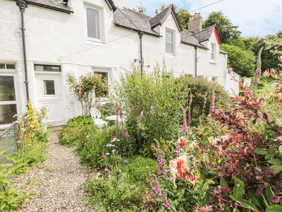 Photo for CRINAN CANAL COTTAGE NO8, pet friendly in Kilmartin, Ref 954421