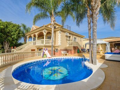 Photo for Cubo's Villa Montenegros. Garden, jacuzzi, satellite, AC and free wifi