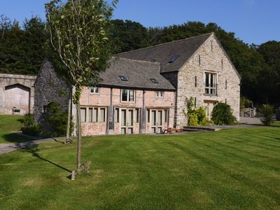 Photo for 6 bedroom Barn in Hay-on-Wye - 42915