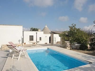 Photo for 4BR Villa Vacation Rental in Alberobello, Puglia