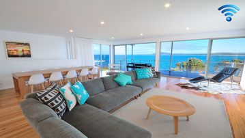 Search 557 holiday rentals