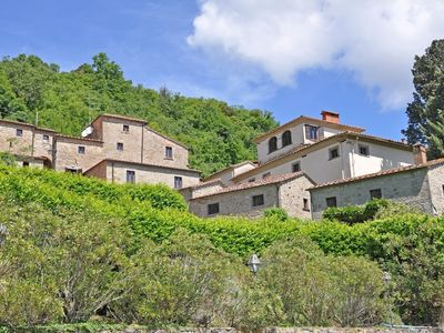 Photo for 1BR Apartment Vacation Rental in Capolona, Toscana