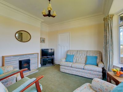 Photo for Cosy apartment for 6 guests with WIFI, TV, pets allowed and parking
