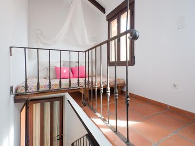 Photo for Stunning apartment with Terrace and Alhambra view