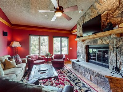 Photo for 4th floor retreat condo near ski lifts w/ balcony, wood-burning fireplace