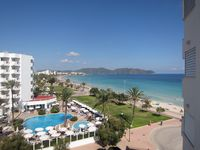 Great apartment, very close to sea