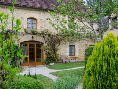 Photo for The Rosier du Petit Manoir, a green cocoon with a pool near Sarlat
