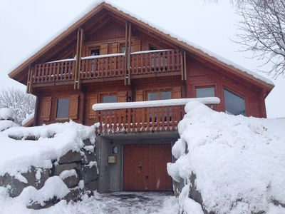 Photo for quiet cottage 8 people, 4 bedrooms, near the slopes and lake.