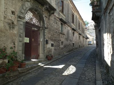 Photo for Comfortable B & B in Gerace, (see beautiful villages in Italy). Rooms at Casa Ferrari