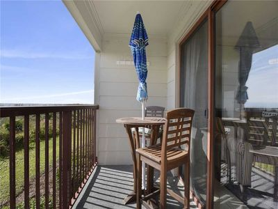 Photo for Beach & Tennis Admirals Row 105, 1 Bedroom, Sleeps 6, Ocean Front, 2 Pools, Tennis