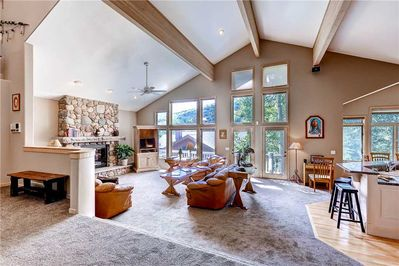 Vaulted ceilings open living kitchen dining - Park City Lodging-3165 Thistle