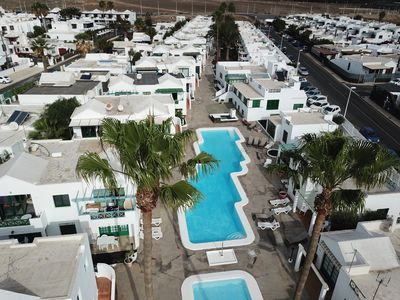 Aerial photo of the San Fermin complex, in Calle Belgica street, where you can admire the majesty of the two Palms that characterize the entire neighborhood.