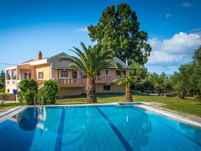 Photo for Luxury 4 bedroom Villa with private pool and kids pool.
