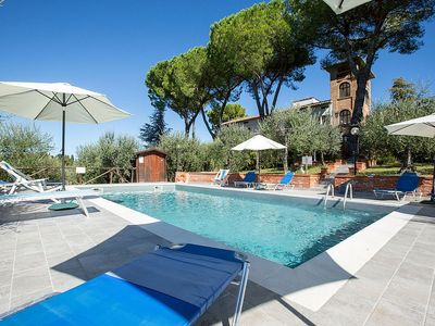 Photo for 9 bedroom Villa, sleeps 18 in Mattone with Pool and WiFi