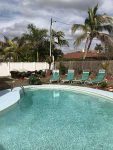 HEATED POOL, PET FRIENDLY, FIREPIT, GRILL, CLOSE TO BEACH, & SAFE NEIGHBORHOOD