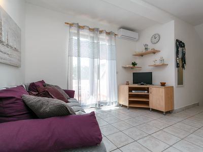 Photo for Apartment for 3-4 people in a quiet area with air conditioning & internet