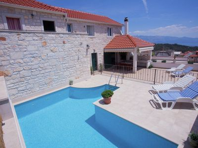 Photo for Beautiful renovated villa with good location & private pool in Sleca, Brac island