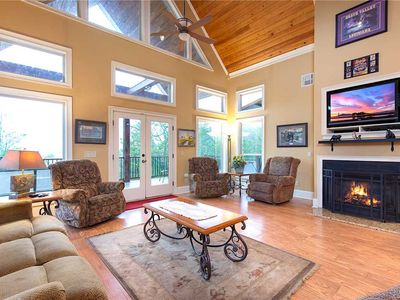 Photo for Cajun Spice, 2 Bedrooms, Mountain View, Hot Tub, WiFi, Sleeps 6
