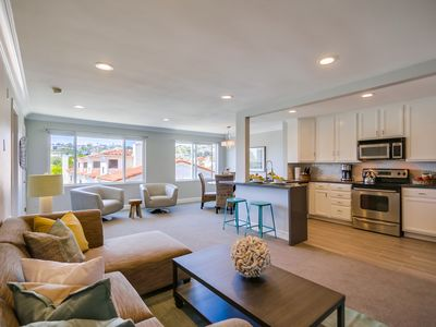 Photo for STUNNING TOP LEVEL END UNIT *** 3 BLOCKS TO OCEAN *** VIEW