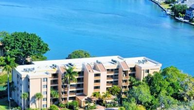Photo for Buttonwood 950 - 3 Bedroom Condo with Private Beach with lounge chairs & umbrella provided, 2 Poo...