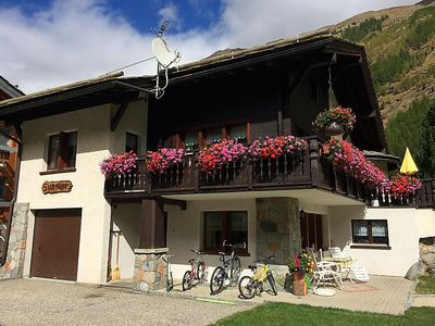 Photo for Apartment Chalet Sunstar, grosse Wohnung in Saas-Grund - 8 persons, 4 bedrooms