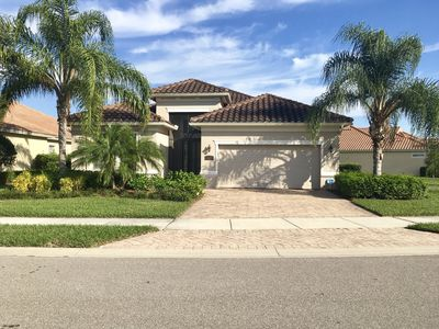 Photo for Beautifully Decorated Gated Bridgetown Home w/ Lakeview