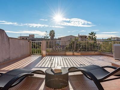 Photo for Cosy Holiday Apartment with Wi-Fi, Air Conditioning and Terrace