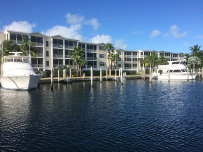 Photo for 🐠SPECIAL Luxurious, Waterfront, Two King Suites, Pool, Gym, Tennis, Dock, Bikes