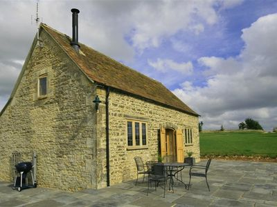Photo for CALCOT PEAK BARN, family friendly in Northleach, Ref 988803