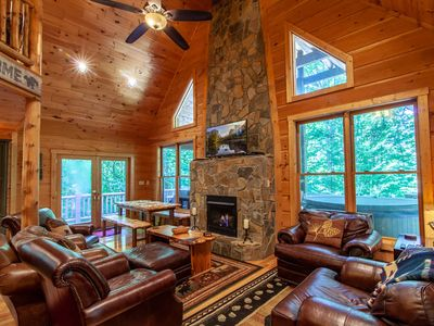 Photo for 3BR, 2BA Luxury Cabin on Beech Mountain, Hot Tub, Close to Beech Mountain Ski Resort