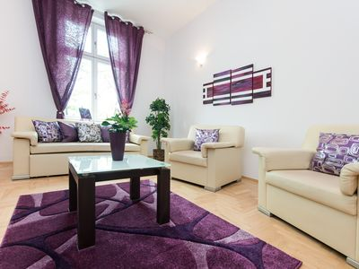 Photo for Contemporary Flair, 2 bedrooms, excellent location, easy access