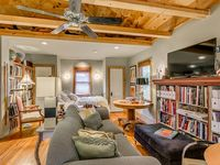Great location, great Carriage House!