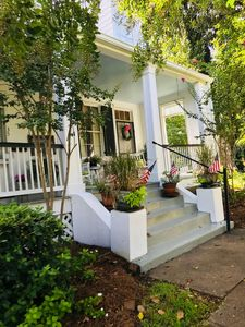 Magnolia Cottage Bed and Breakfast