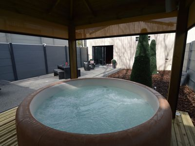Photo for Deluxe Holiday Home in Welkenraedt with Jacuzzi & Steam Shower