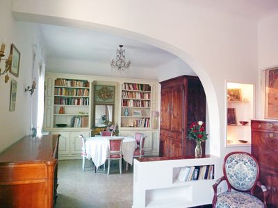 Photo for Charming apartment (753 sqft) in a provençale villa. 1/4 mile to beach.