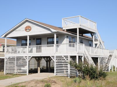 Photo for Comfortable family cottage just 400 ft away from the beach access! - 853
