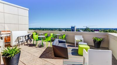 Stunning rooftop terrace with breath-taking view to downtown/uptown Charlotte!