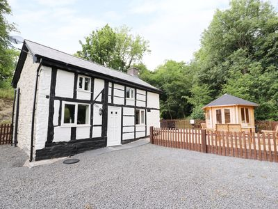 Photo for LITTLE MILL, romantic in Llanfair Caereinion, Ref 930155