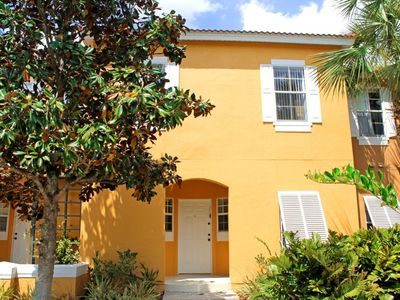 Photo for Gorgeous 3 Bed Townhouse pets allowed