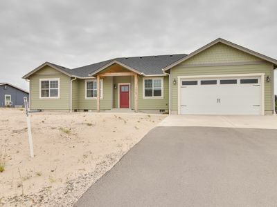 Photo for Newly built lakeview home w/ firepit & bikes, 1 mile from beach