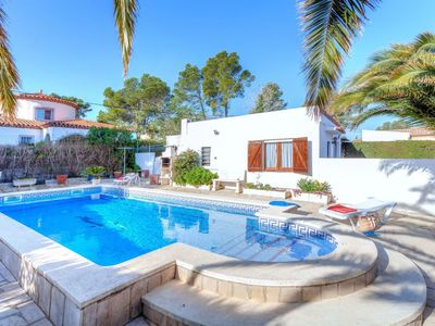 Photo for Stunning private villa for 10 people with private pool, WIFI, A/C, TV, pets allowed and parking