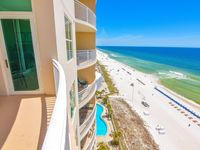 Wonderful condo - had a great experience booking via VRBO - they made vacation easy!