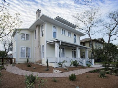 Photo for Charming spacious historic house w patio and bikes.  Walk to the Pearl/Riverwalk