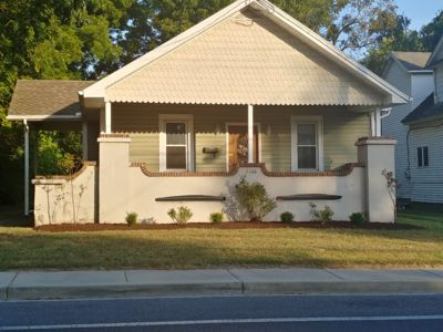 Cambridge bungalow with 2 full baths!
