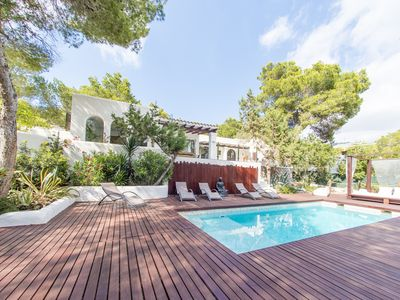 Photo for Stunning 5-bed boutique villa full of character & charm just 200m from the beach
