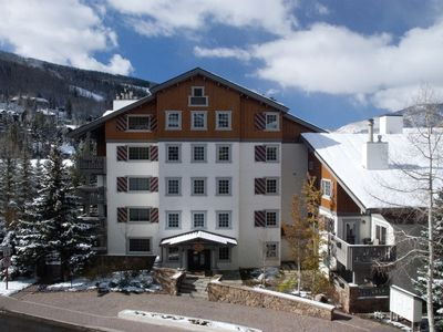 Photo for Spring special $425/night/pool/spa/Vail Village