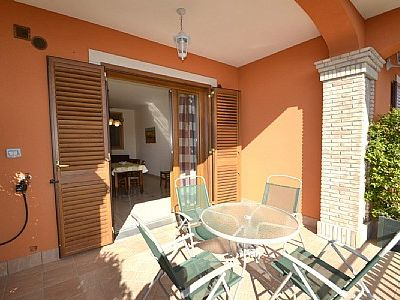Photo for Appartamento Ribes A: A cozy and welcoming apartment, with Free WI-FI.