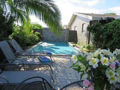 Photo for (1WF), 2b/1b Shared Pool w/ 3 units , Screen Porch, Walk to Dining